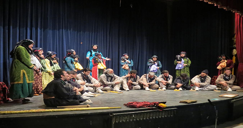 کنسرت موسیقی «چریکه» به نفع زلزله زدگان به روی صحنه می رود