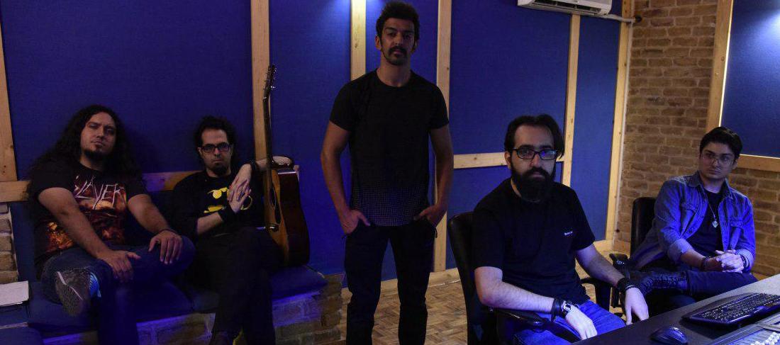 نخستین آلبوم رسمی گروه پیکلاویه «جایی که پیاده رو تمام میشود» نام گرفت