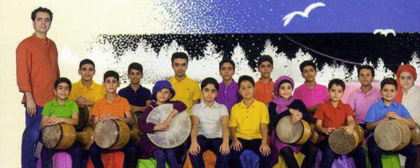 آلبوم تصویری «آبی» اثر گروه «کاغذ رنگی» به بازار آمد