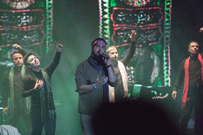 حامد زمانی کنسرت «سوگ چامهها» را روی صحنه برد