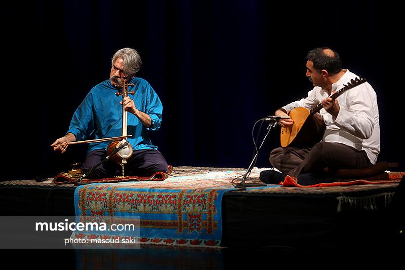 کیهان کلهر پنجمین شب اجرای خود را به علیاصغر شاهزیدی تقدیم کرد