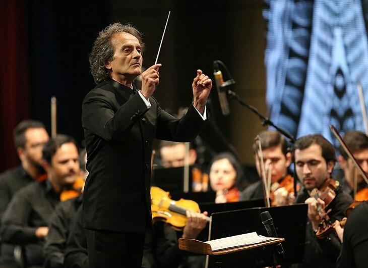 ارکستر سمفونیک تهران سمفونی 9 بتهوون را مینوازد