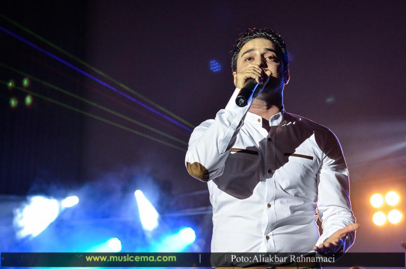 کنسرت اهواز اسفند گزارش تصویری از کنسرت بابک جهانبخش در کرج | موسیقی ما