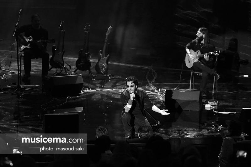 http://www.musicema.com/sites/default/files/node_gallery/Kaveh%20Afagh%2095-05-21%20%2821%29.JPG