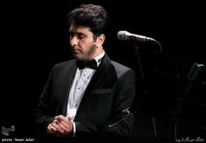 «محمد معتمدی» برای شهدای حمله به هواپیمای مسافربری کشورمان میخواند