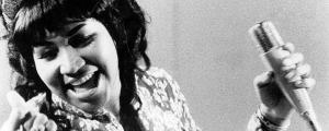 آرتا فرانکلین، به عنوان اولین زن، جایزه «پولیتزر» را دریافت کرد