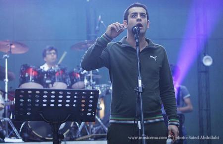 گزارش تصویری از کنسرت احسان خواجهامیری در تالار بزرگ کشور