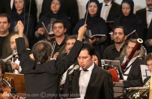 گزارش تصویری «موسیقی ما» از اجرای سمفونی انقلاب در روز جشن هستهای