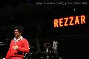 عکسهای اولین کنسرت مشترک «سهراب پاکزاد» ، «امیر طبری» و گروه ریزار به سرپرستی محمدرضا گلزار - 3