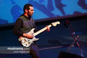 کنسرت آریا عظیمی نژاد در جشنواره موسیقی فجر (بوم و بر) - 30 دی 1395