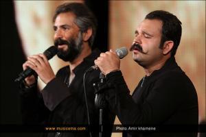 دانلود فیلم اتش گرفتن ماشین میلاد باقری خواننده گروه دنگ شو