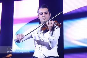 کنسرت فرزاد فرزین در جشنواره موسیقی فجر - 25 دی 1395