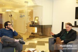 گفت و گو با «رضا کیانیان» و «علی کیانیان» در دفتر سایت «موسیقی ما» - اسفند 1395