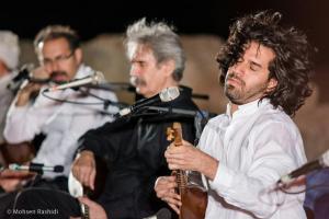 Shams%20 %20Barana%20Kermanshah%2095 06 29%20%2813%29 یادی از بزرگان موسیقی کرمانشاه در کنسرت شمس بیستون+ عکس