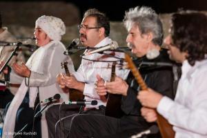 Shams%20 %20Barana%20Kermanshah%2095 06 29%20%289%29 یادی از بزرگان موسیقی کرمانشاه در کنسرت شمس بیستون+ عکس