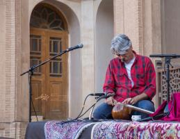 کنسرت کیهان کلهر در خانه بروجردیهای کاشان