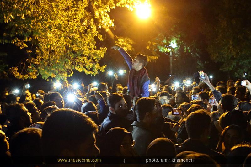 aaa %2816%29 15 تجمع هواداران مرتضی پاشایی در شهر های مختلف / تمام ایران ترانههای «مرتضی پاشایی» را خواندند + عکس