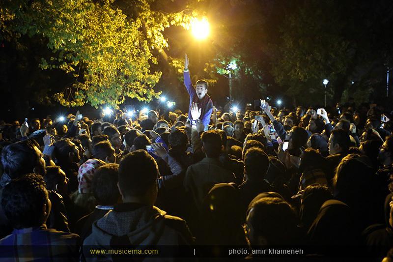 aaa %2817%29 15 تجمع هواداران مرتضی پاشایی در شهر های مختلف / تمام ایران ترانههای «مرتضی پاشایی» را خواندند + عکس