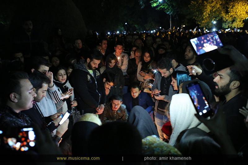 aaa %284%29 19 تجمع هواداران مرتضی پاشایی در شهر های مختلف / تمام ایران ترانههای «مرتضی پاشایی» را خواندند + عکس