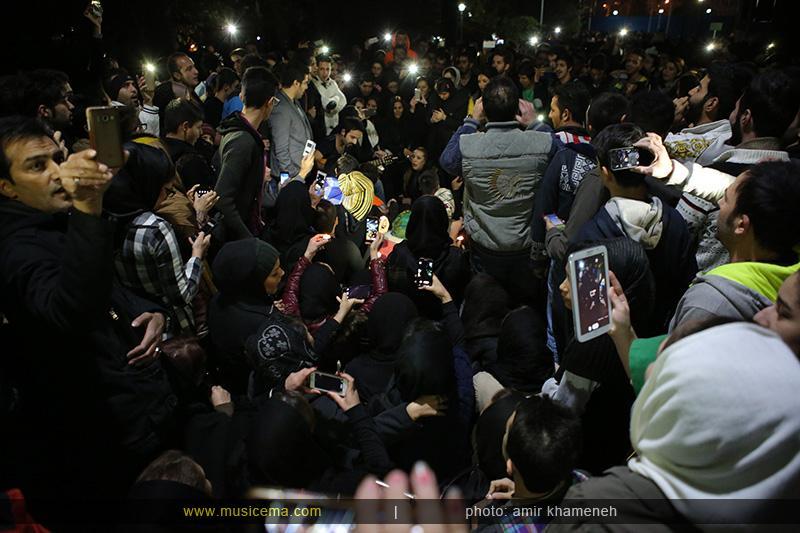 c %2821%29 0 تجمع هواداران مرتضی پاشایی در شهر های مختلف / تمام ایران ترانههای «مرتضی پاشایی» را خواندند + عکس