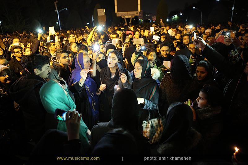 c %285%29 1 تجمع هواداران مرتضی پاشایی در شهر های مختلف / تمام ایران ترانههای «مرتضی پاشایی» را خواندند + عکس