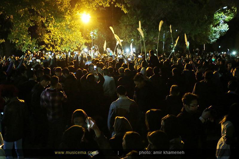 c %288%29 1 تجمع هواداران مرتضی پاشایی در شهر های مختلف / تمام ایران ترانههای «مرتضی پاشایی» را خواندند + عکس